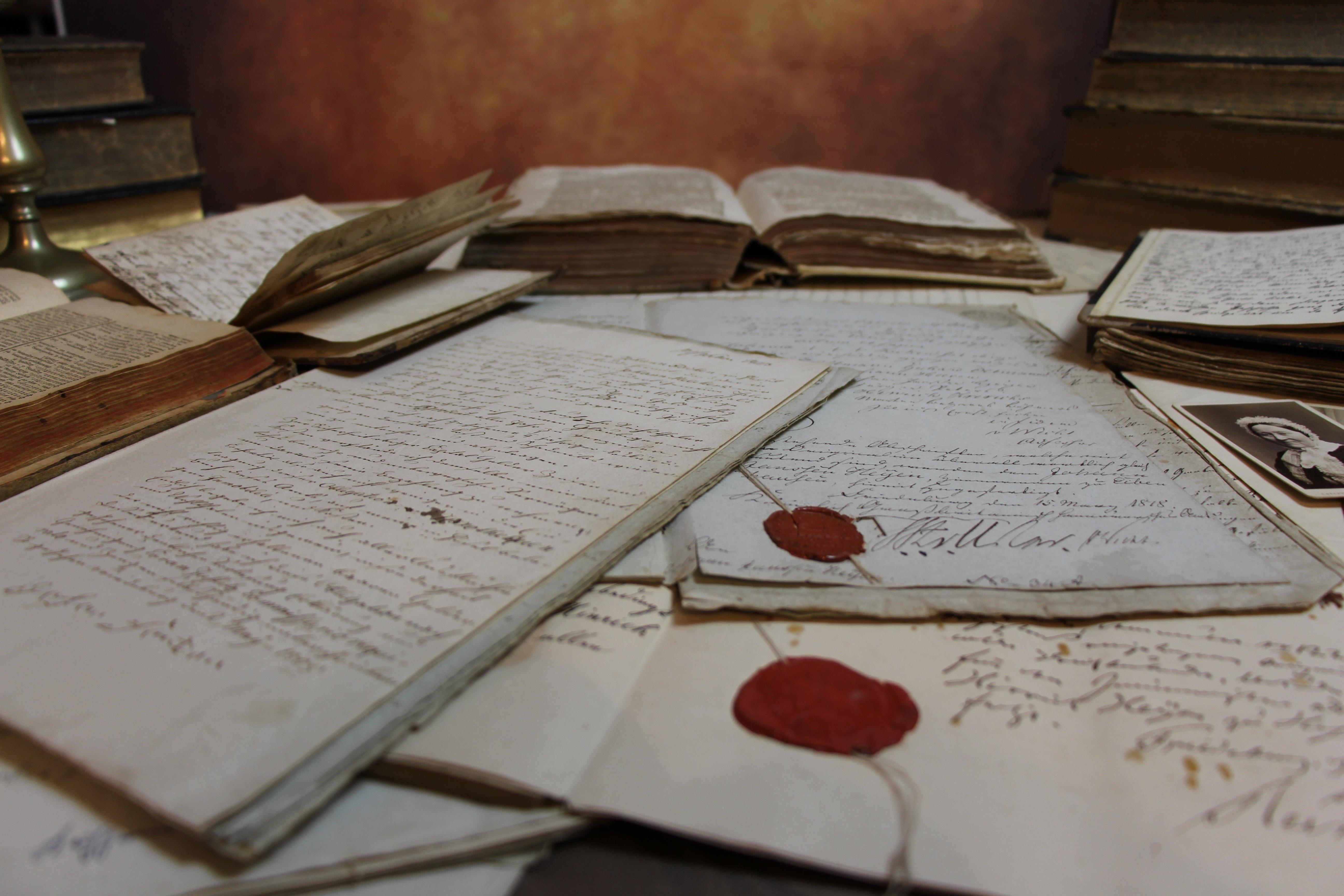 Alte Schriftstücke; Foto: Pixabay, gemeinfrei