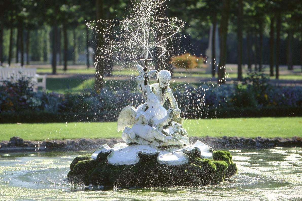 Brunnen im Schlossgarten von Schloss Schwetzingen; Foto: Staatliche Schlösser und Gärten Baden-Württemberg, Arnim Weischer