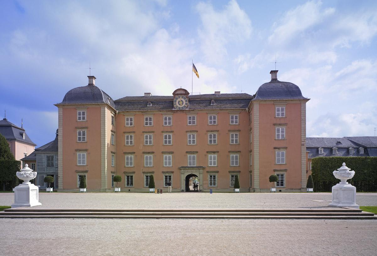 Mittelbau von Schloss Schwetzingen; Foto: Staatliche Schlösser und Gärten Baden-Württemberg, Andrea Rachele