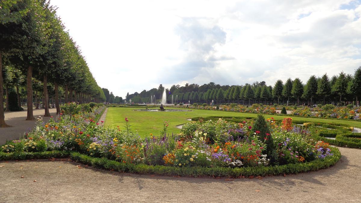 Schloss und Schlossgarten Schwetzingen, Kreisparterre; Foto: Staatsanzeiger für Baden-Württemberg, Urheber unbekannt