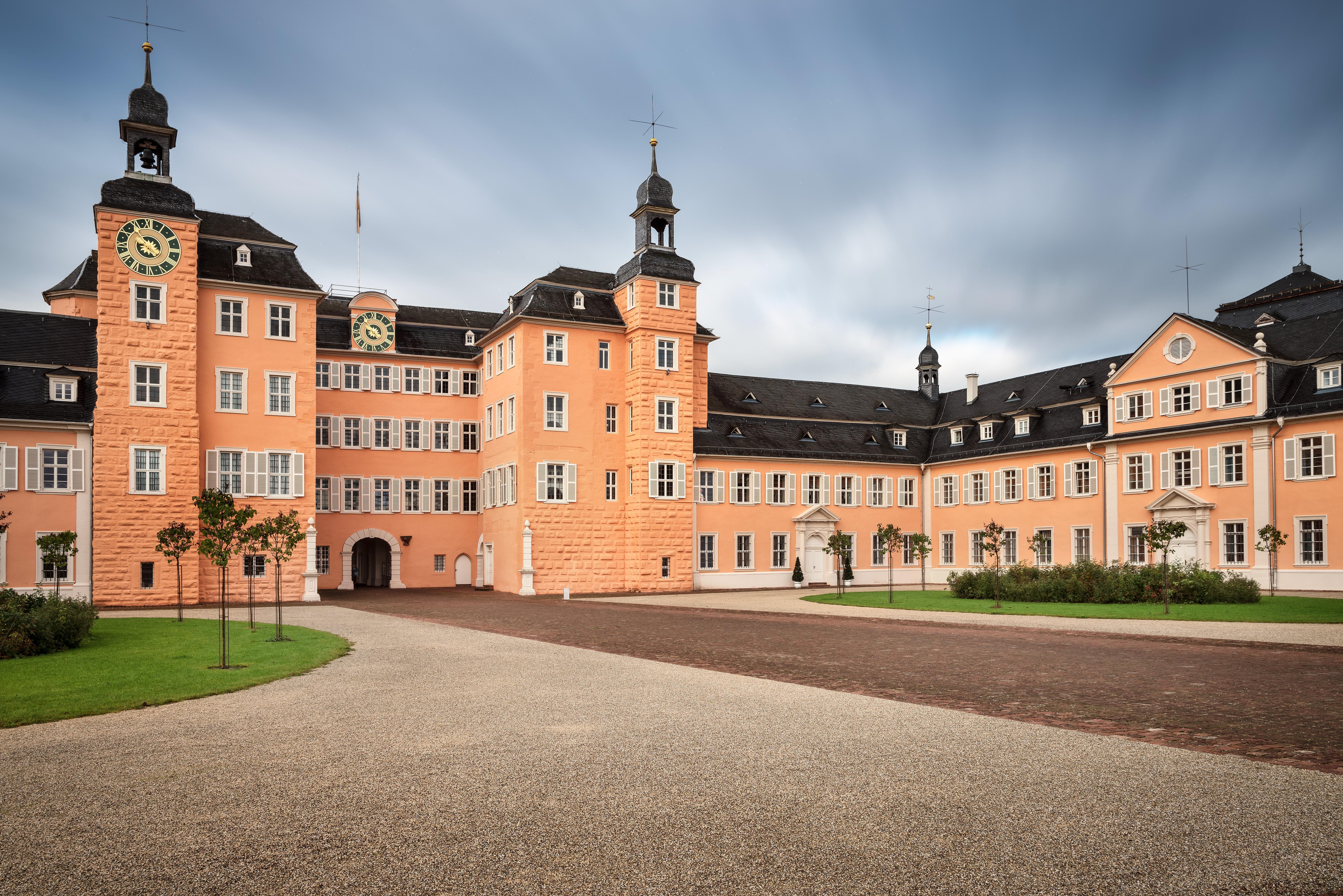 Stadtseite von Schloss Schwetzingen; Foto: Staatliche Schlösser und Gärten Baden-Württemberg, Günther Bayerl