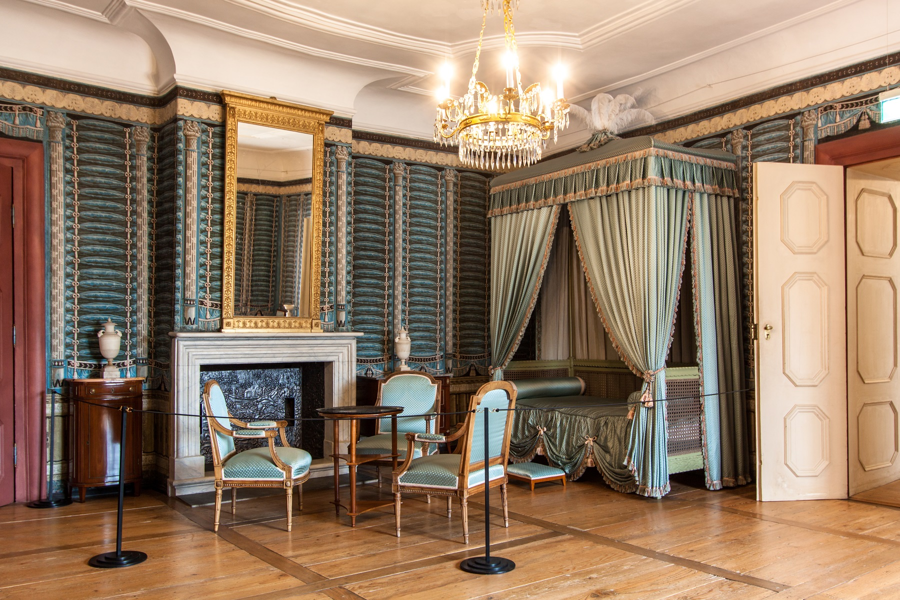 Schloss und Schlossgarten Schwetzingen, Wohnzimmer im Appartement Luise Karoline von Hochberg; Foto: Staatliche Schlösser und Gärten Baden-Württemberg, Ursula Wetzel