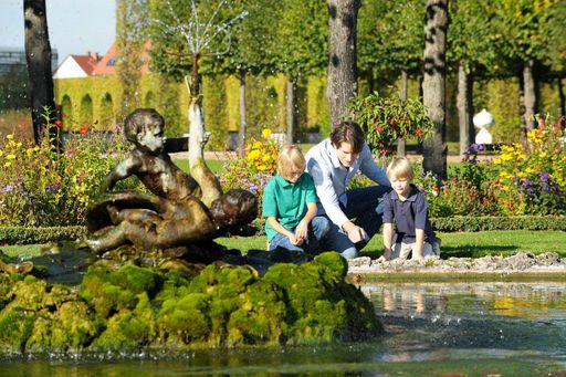 Schwetzingen Palace and Gardens, Visitors in the gardens