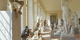 Blick in das Lapidarium im Schlossgarten von Schloss Schwetzingen