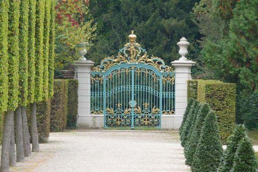Tor des Arborium Theodoricum im Schwetzinger Schlossgarten; Foto: Staatliche Schlösser und Gärten Baden-Württemberg, Petra Pechacek