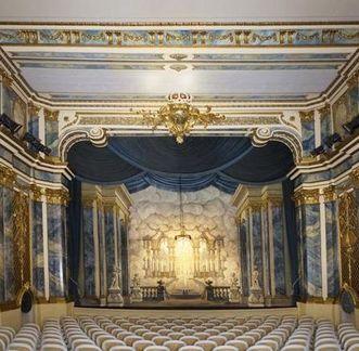 Schloss und Schlossgarten Schwetzingen, Schlosstheater, Blick zur Bühne