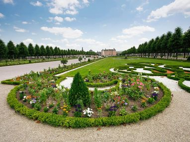Schloss und Schlossgarten Schwetzingen, Beet im Schlossgarten