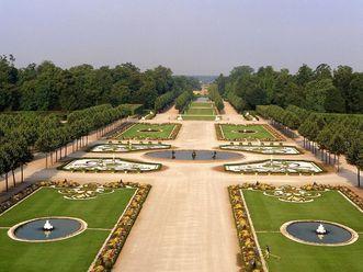 Schlossgarten von Schloss Schwetzingen aus der Luft
