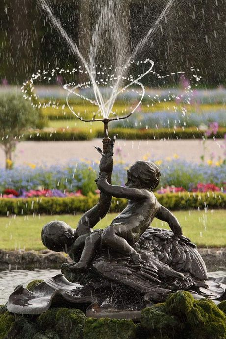 Schwetzingen Palace and Gardens, Palace fountain