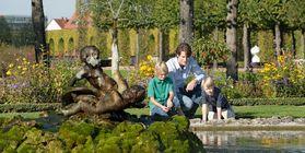 Besucher im Schwetzinger Schlossgarten